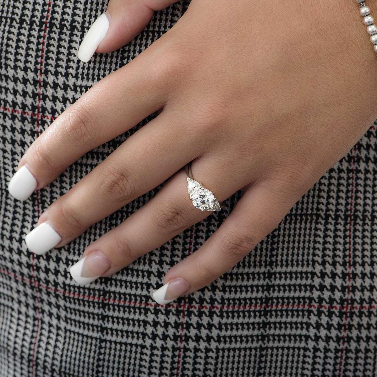 Platinum Round Brilliant Cut Diamond Ring 2.08ct I/I3